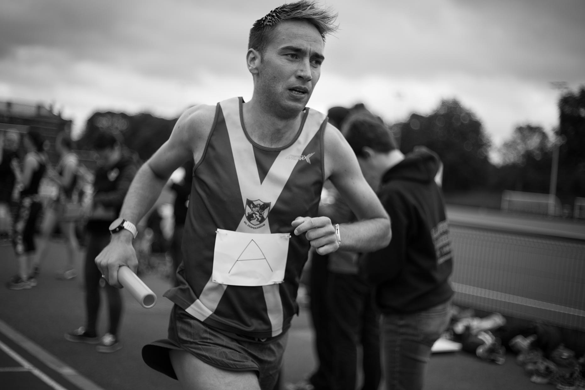 Bellahouston Harriers runner on track, by Scotland photographer