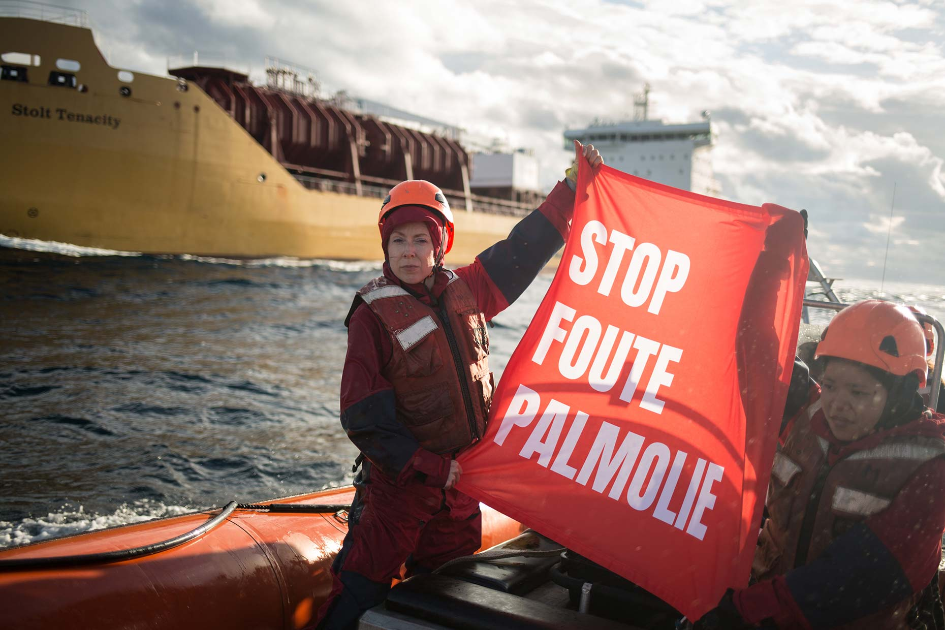 Action against palm oil by Greenpeace activists, by Scotland photographer